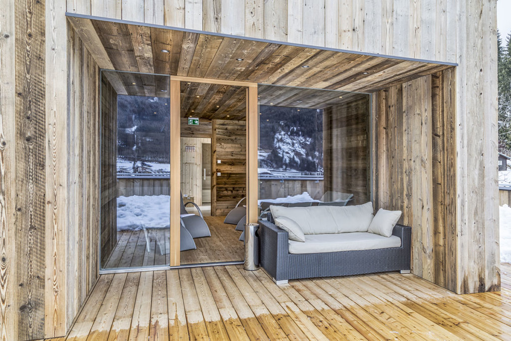 sauna dachterrasse appartements luna in flachau zum holzwurm. Black Bedroom Furniture Sets. Home Design Ideas